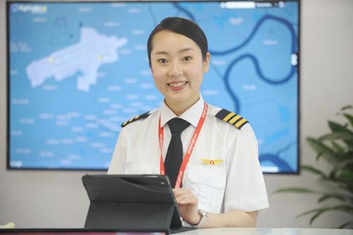 Rộn ràng bay quốc tế cùng nữ phi công xinh đẹp của Vietjet - 1