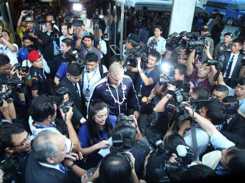 Tân vương Leicester được đón như người hùng ở Thái Lan - 1