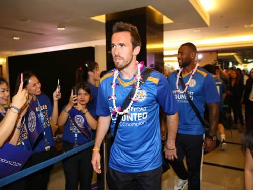 Tân vương Leicester được đón như người hùng ở Thái Lan - 5