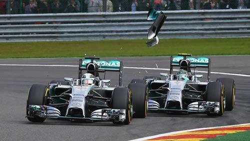 """F1, Hamilton-Rosberg đâm nhau: """"Mũi tên bạc"""" liệu có gãy? - 1"""