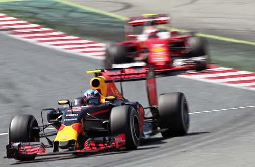 """F1, Ferrari: Có hay không """"ảo tưởng sức mạnh"""" - 1"""