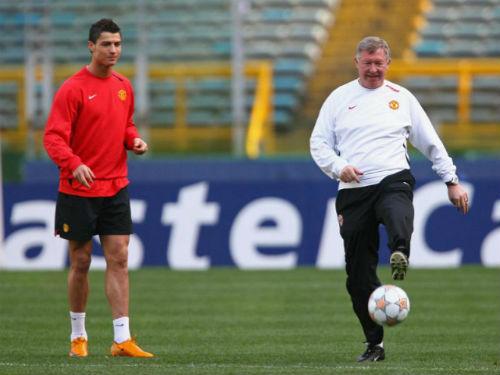 Sir Alex: Messi giỏi nhưng Ronaldo toàn diện hơn - 1