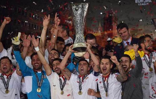 Chùm ảnh Liverpool - Sevilla: Khắc tên vào lịch sử - 9