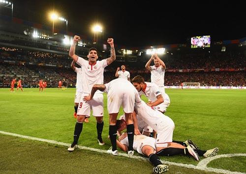 Chùm ảnh Liverpool - Sevilla: Khắc tên vào lịch sử - 2
