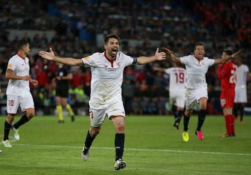 Chùm ảnh Liverpool - Sevilla: Khắc tên vào lịch sử - 3