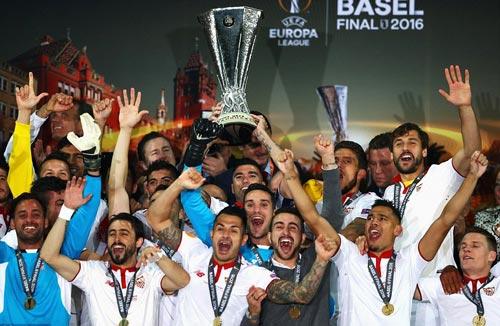 Chùm ảnh Liverpool - Sevilla: Khắc tên vào lịch sử - 7