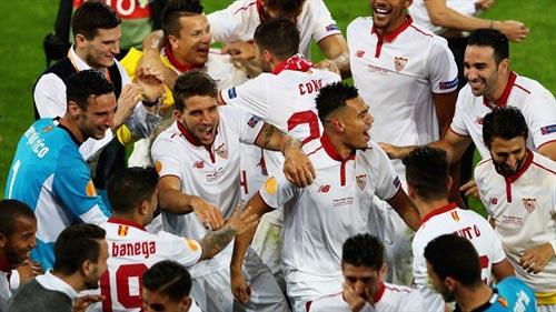 Chùm ảnh Liverpool - Sevilla: Khắc tên vào lịch sử - 11
