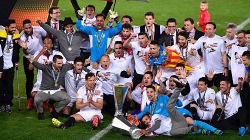 Chùm ảnh Liverpool - Sevilla: Khắc tên vào lịch sử - 12