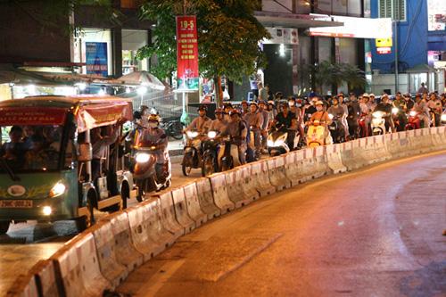 """Dàn mô tô """"khủng"""" diễu hành cổ động ngày bầu cử - 10"""