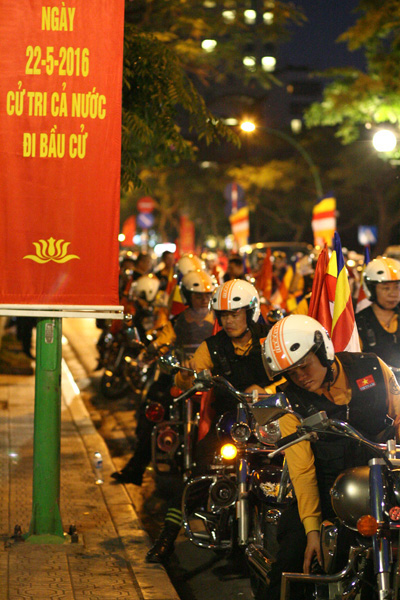 """Dàn mô tô """"khủng"""" diễu hành cổ động ngày bầu cử - 2"""