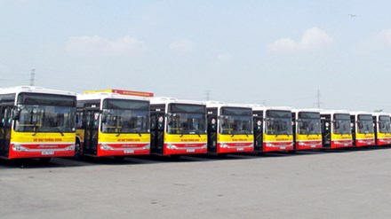 Xe buýt đời mới, có ghế cho người già, trẻ em - 1