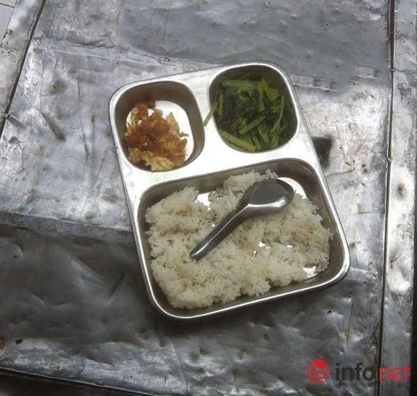 Suất ăn bán trú 15 nghìn khiến bao người xót xa: Trưởng phòng GD&ĐT lên tiếng - 1