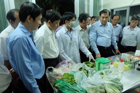 Chủ tịch Đà Nẵng kiểm tra an toàn thực phẩm lúc 1h sáng - 2