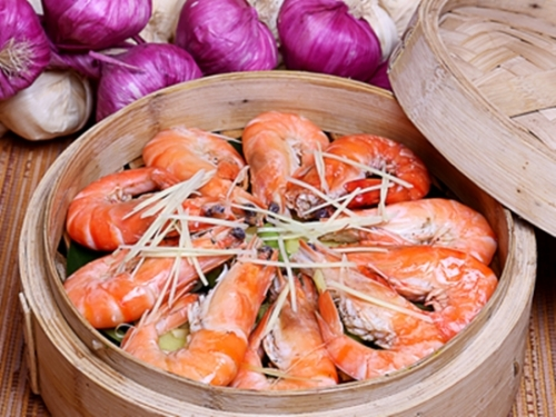 Nguy hiểm khôn lường khi ăn tôm sai cách - 3