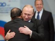 Tin tức trong ngày - Ông Putin nồng thắm ôm Thủ tướng Nguyễn Xuân Phúc
