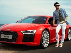 Công Vinh lịch lãm bên siêu xe Audi R8 V10 Plus