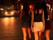 An ninh Xã hội - Bắt chủ tiệm nail dụ hai cô khách xinh đẹp... bán dâm