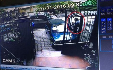 Đã bắt được nghi phạm trộm xe vàng gây chấn động tại HN - 1