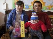 Bạn trẻ - Cuộc sống - Clip: Suốt 8 năm cha rong ruổi tìm con bị bắt cóc