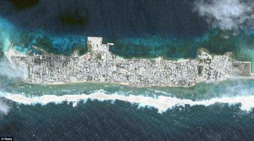 Những hòn đảo đông đúc nhất thế giới - 8