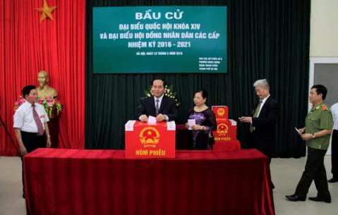 Chủ tịch nước Trần Đại Quang bỏ phiếu bầu cử - 1