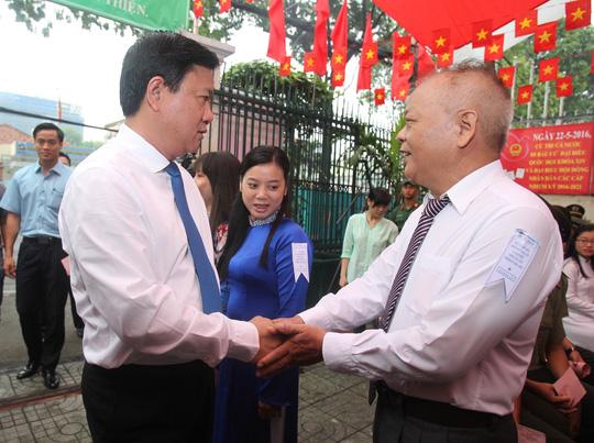 TP HCM: Bí thư Đinh La Thăng đi bầu cử từ sáng sớm - 1