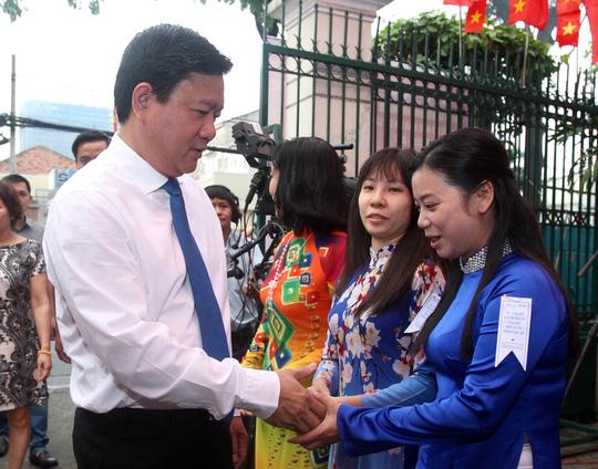 TP HCM: Bí thư Đinh La Thăng đi bầu cử từ sáng sớm - 2