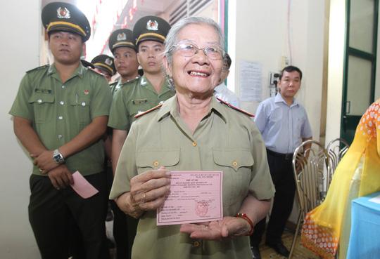 TP HCM: Bí thư Đinh La Thăng đi bầu cử từ sáng sớm - 5