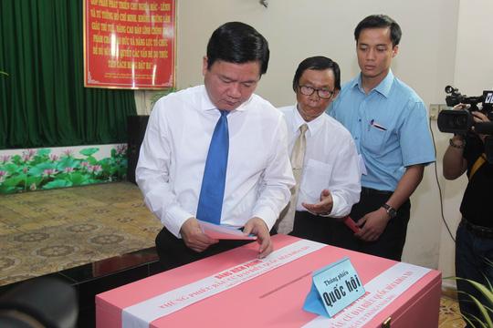 TP HCM: Bí thư Đinh La Thăng đi bầu cử từ sáng sớm - 6