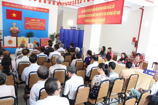 TP HCM: Bí thư Đinh La Thăng đi bầu cử từ sáng sớm - 7