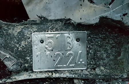 Hiện trường kinh hoàng vụ 2 xe khách tông nhau bốc cháy - 10