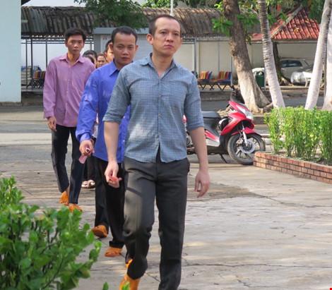2.000 can phạm trại Chí Hòa xúc động đi bầu cử - 2