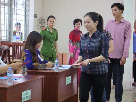 2.000 can phạm trại Chí Hòa xúc động đi bầu cử - 3