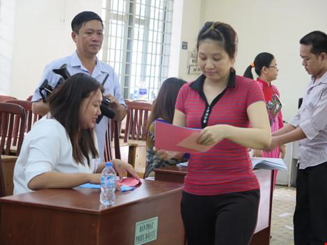 2.000 can phạm trại Chí Hòa xúc động đi bầu cử - 4