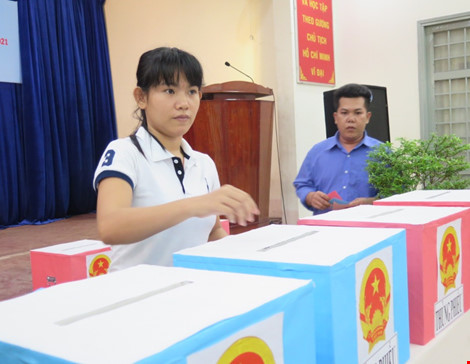 2.000 can phạm trại Chí Hòa xúc động đi bầu cử - 8