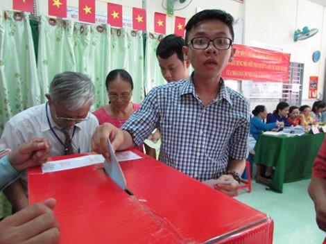 Tỷ lệ cử tri cả nước đã đi bầu cử đạt khoảng trên 70% - 5