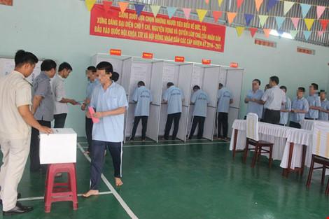 Tỷ lệ cử tri cả nước đã đi bầu cử đạt khoảng trên 70% - 9