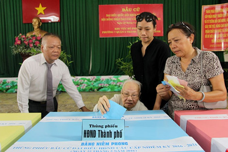 Tỷ lệ cử tri cả nước đã đi bầu cử đạt khoảng trên 70% - 20
