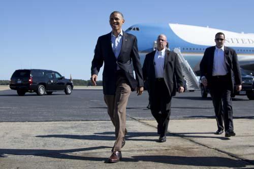 Chuyên cơ Obama hạ cánh sớm, miễn kiểm tra an ninh ở Nội Bài - 1