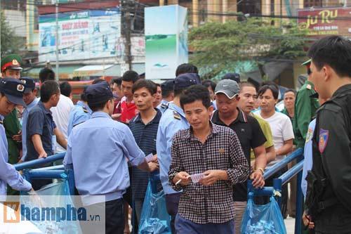 Fan Hải Phòng tạo không khí cuồng nhiệt ở Thanh Hóa - 1