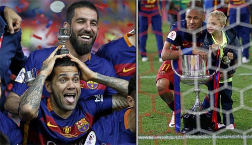 Barca mừng công: Messi hôn vợ, Pique cắt lưới - 7
