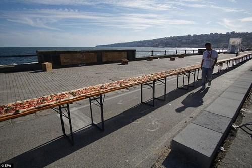 Choáng với chiếc bánh pizza dài hơn 1,8km - 5