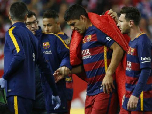 Enrique đá xoáy báo giới, Suarez khóc vì chấn thương - 3