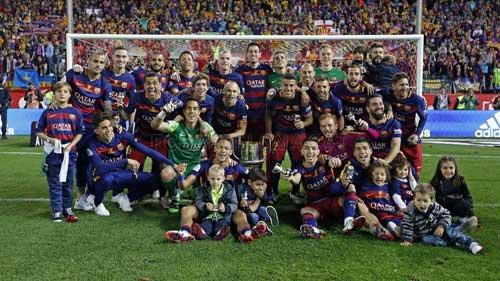 Lỡ cúp C1, lập cú đúp quốc nội: Barca vẫn vĩ đại - 1