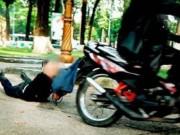An ninh Xã hội - Nghi án kề dao vào cổ cướp xe máy giữa ban ngày tại HN
