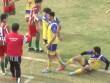 SỐC: Cầu thủ chết bất thường trên sân sau va chạm