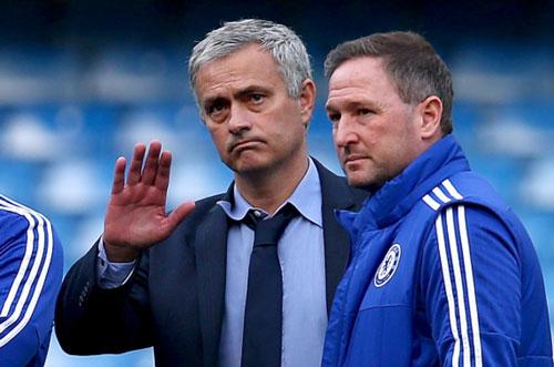 Mourinho sắp tới MU: Hội chứng 3 năm và mớ hỗn độn - 4
