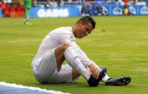 """Ronaldo """"luyện công dị"""" chạy đua tới chung kết cúp C1 - 1"""