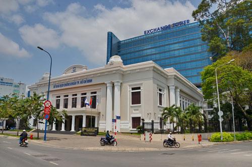Sở Giao dịch chứng khoán Việt Nam nên đặt ở TP HCM - 1
