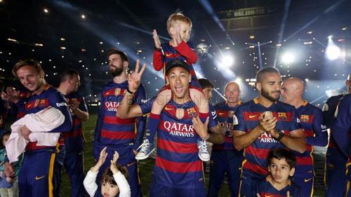 Barca mở tiệc mừng đại công, Neymar nói hạnh phúc - 5
